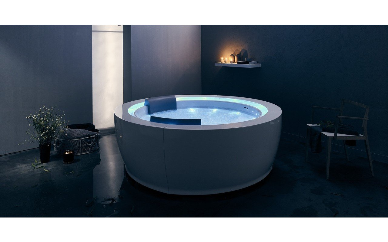 Aquatica Infinity R1 Heated Therapy Bathtub 03