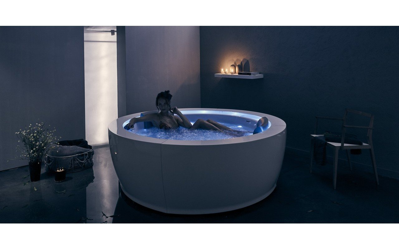 Aquatica Infinity R1 Heated Therapy Bathtub 07