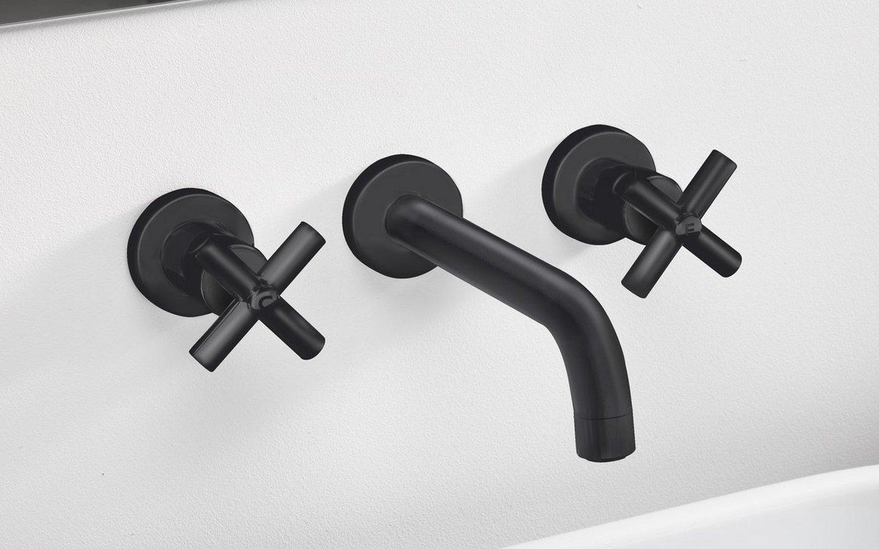 Aquatica Celine 242 Wall Mounted Sink Faucet Black 02 (web)
