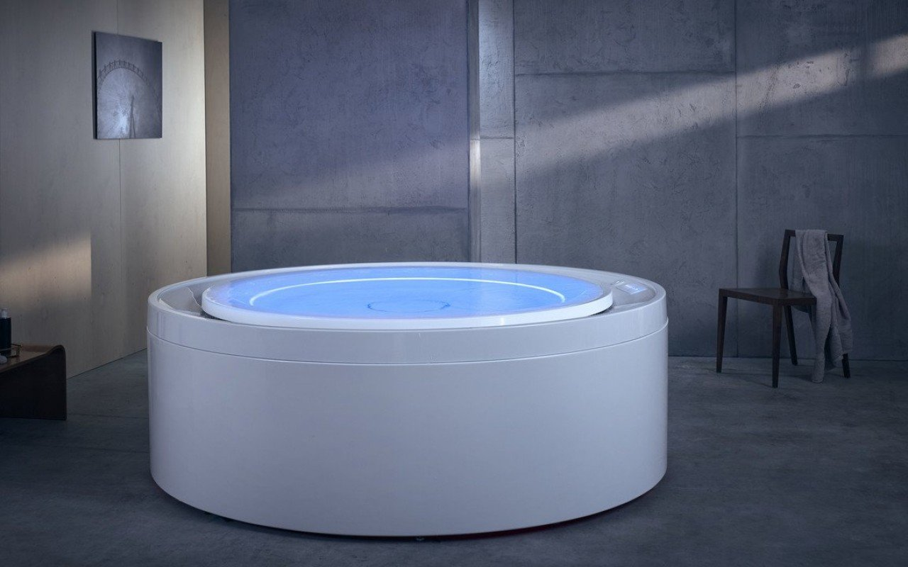 Aquatica Fusion Rondo HydroRelax Jetted Outdoor/Indoor Bathtub (US version 240V/60Hz) picture № 0