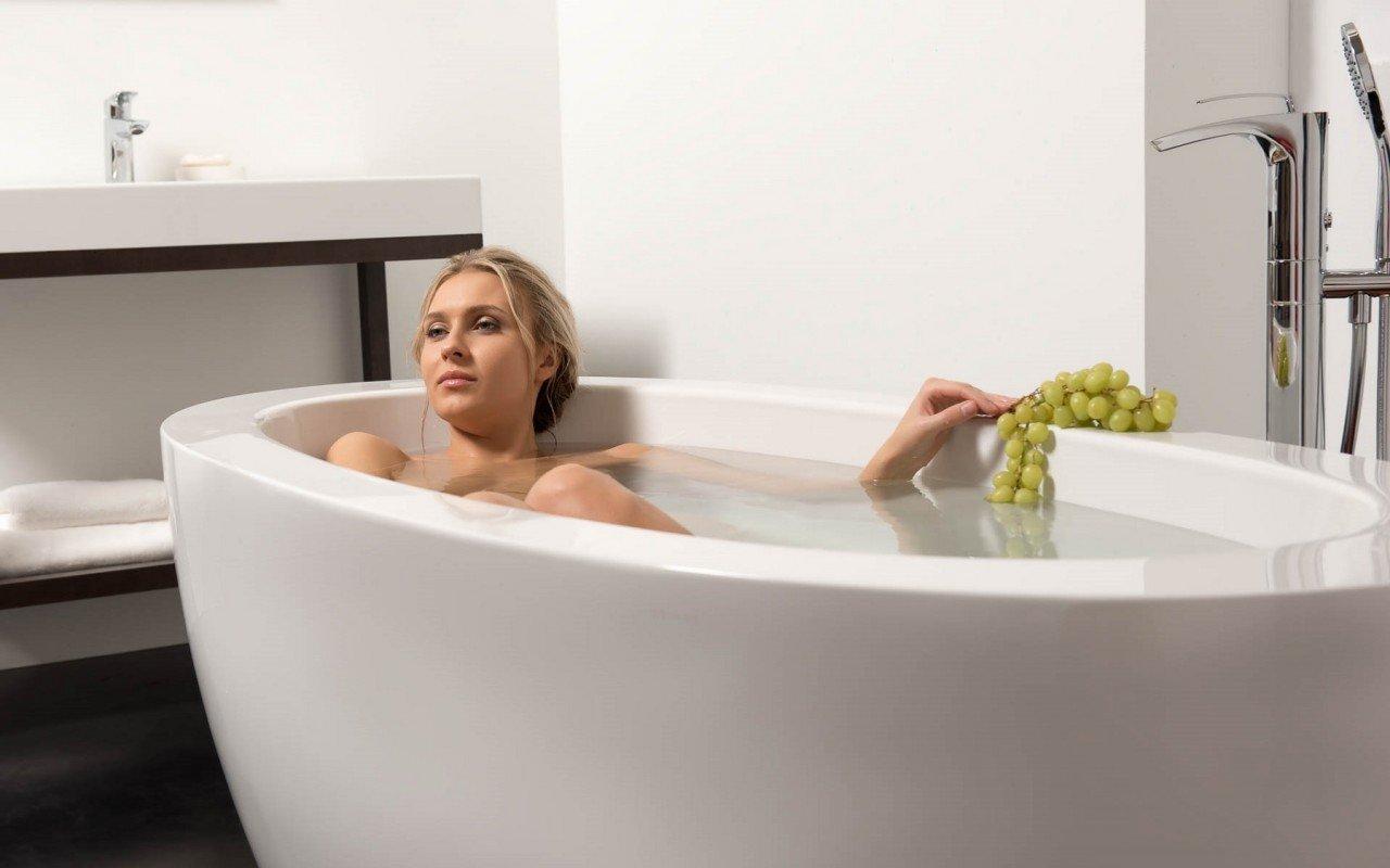 Aquatica PureScape 174B Freestanding Acrylic Bathtub DSC2758 WEB