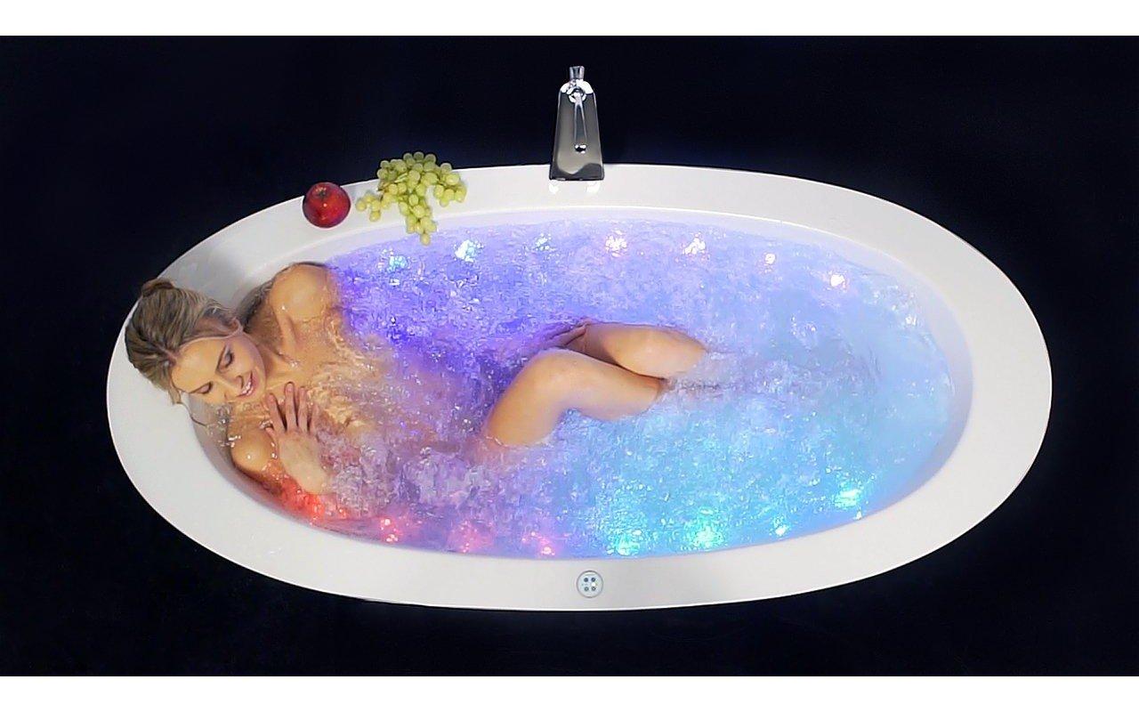 Aquatica Purescape 174B Wht Relax Air Massage Bathtub top (web)