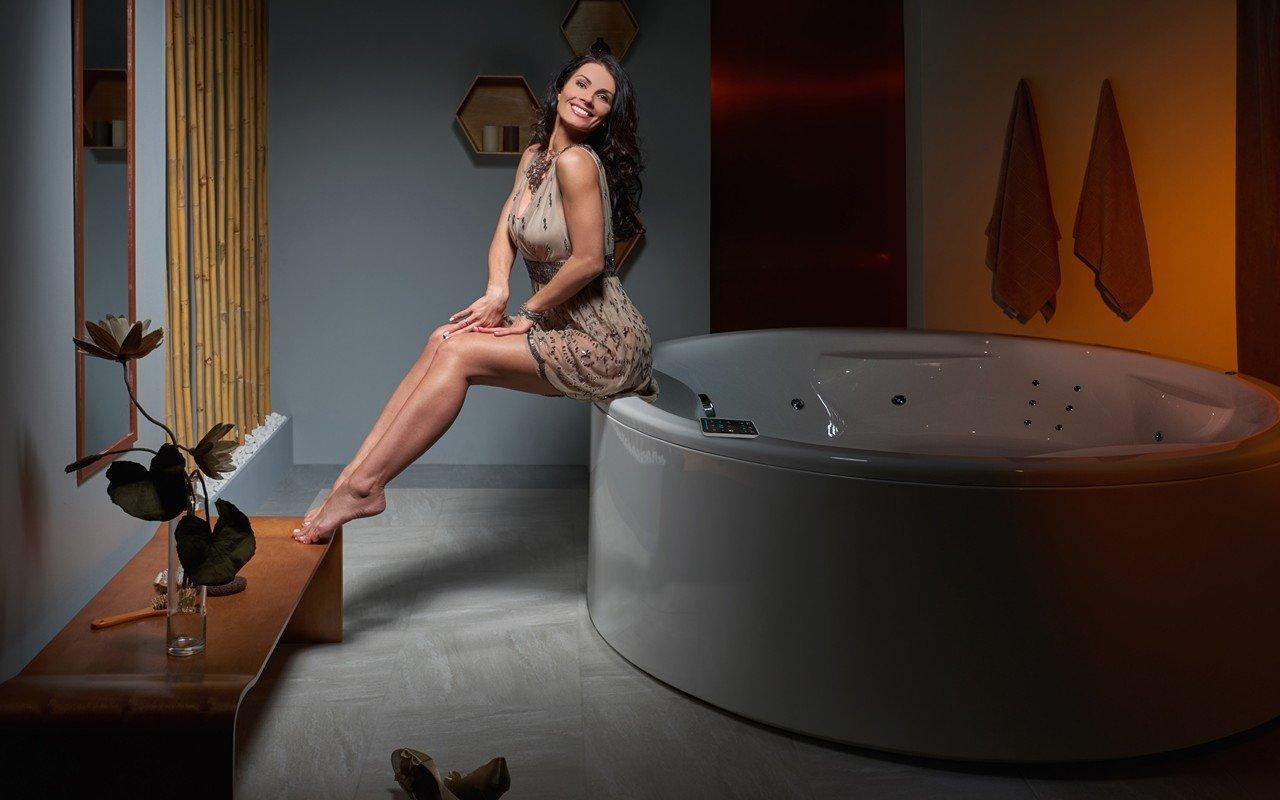 Aquatica allegra wht spa jetted bathtub int web 05