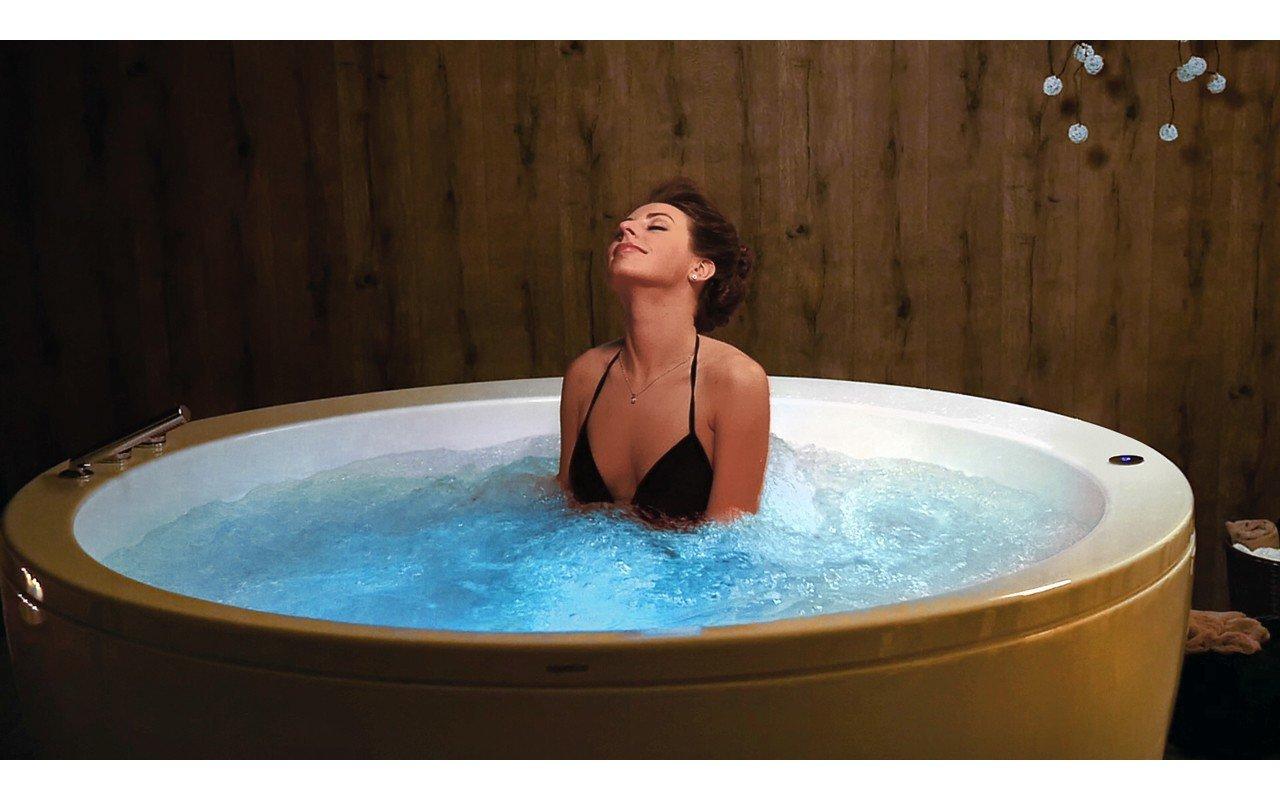Aquatica pamela wht relax freestanding acrylic bathtub International web 04