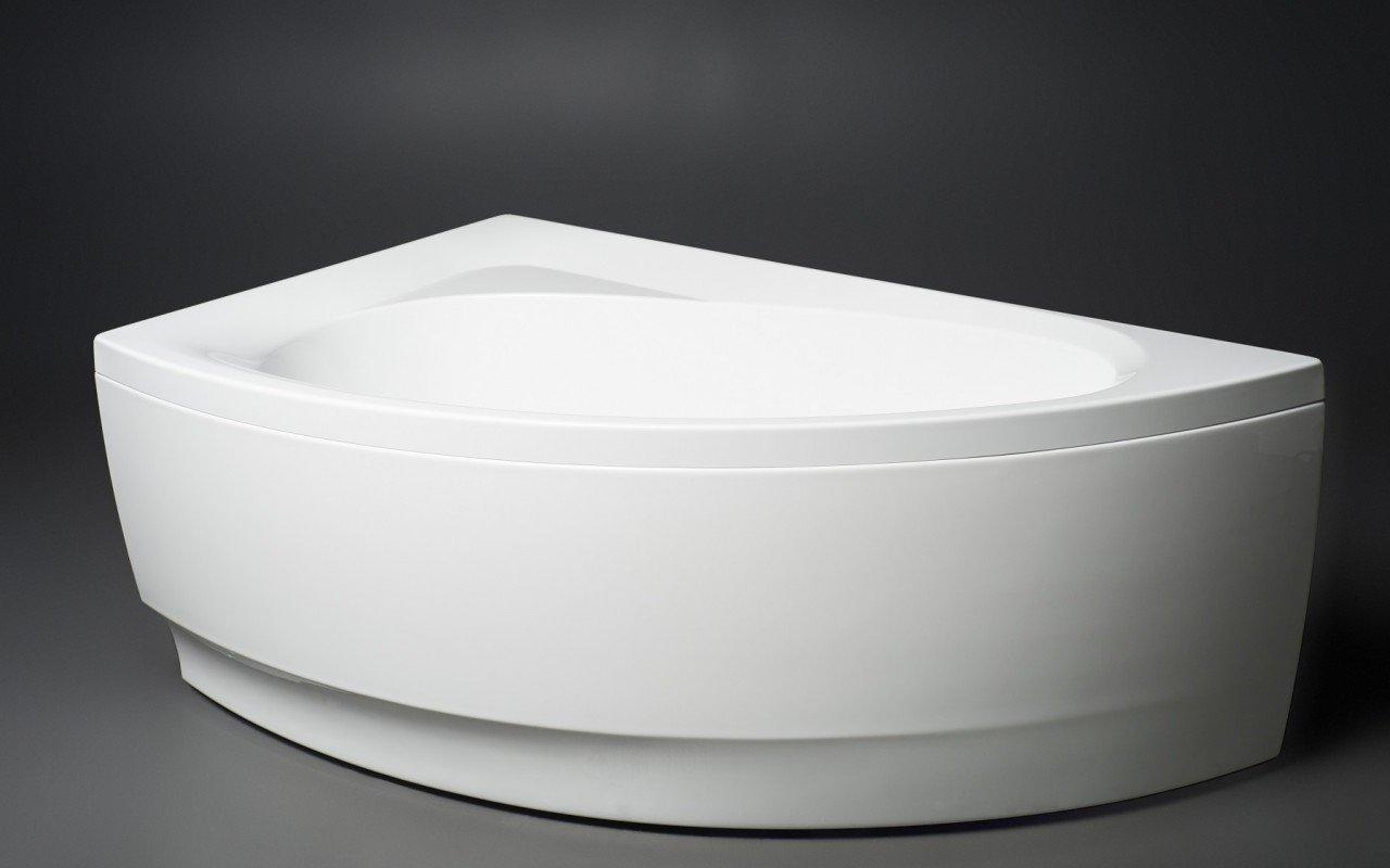 Idea R Wht Corner Acrylic Bathtub 1