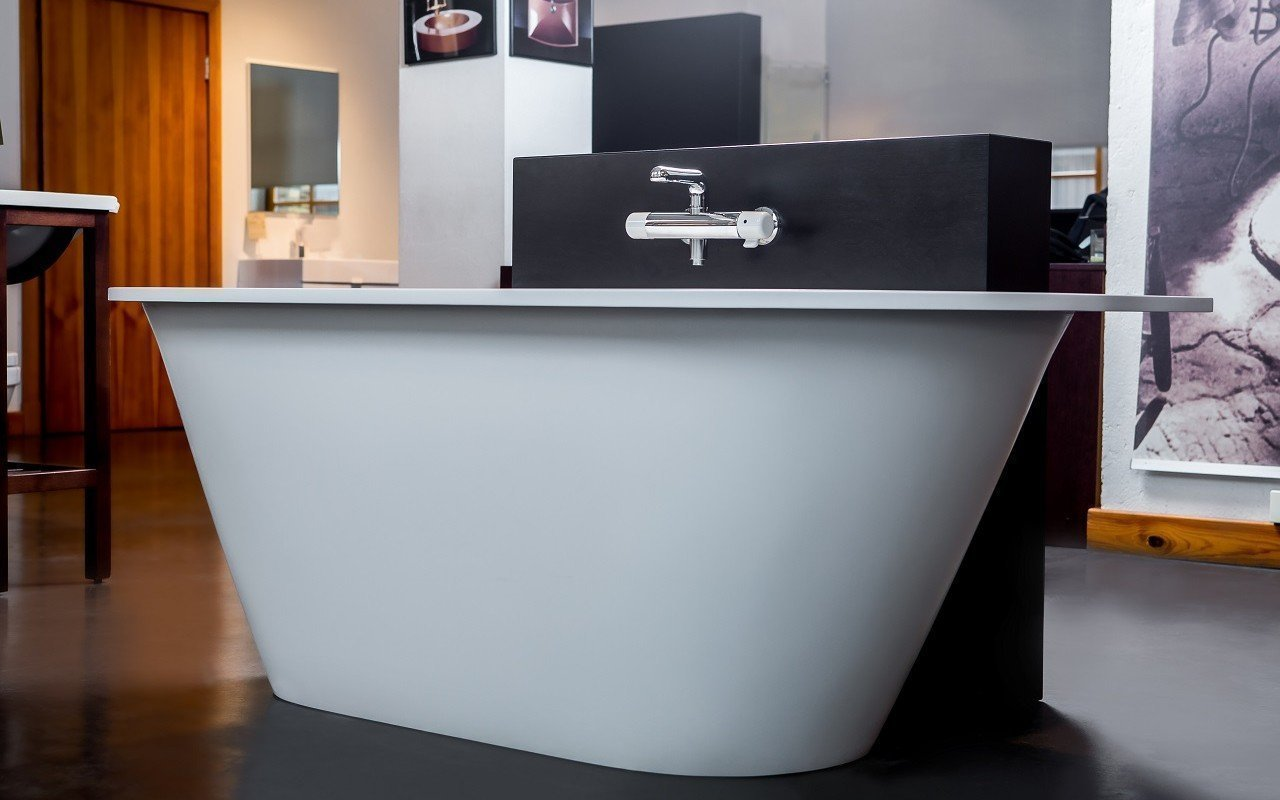 Inflection B Back to Wall Cast Stone​ Bathtub by Aquatica web 8686 Edit