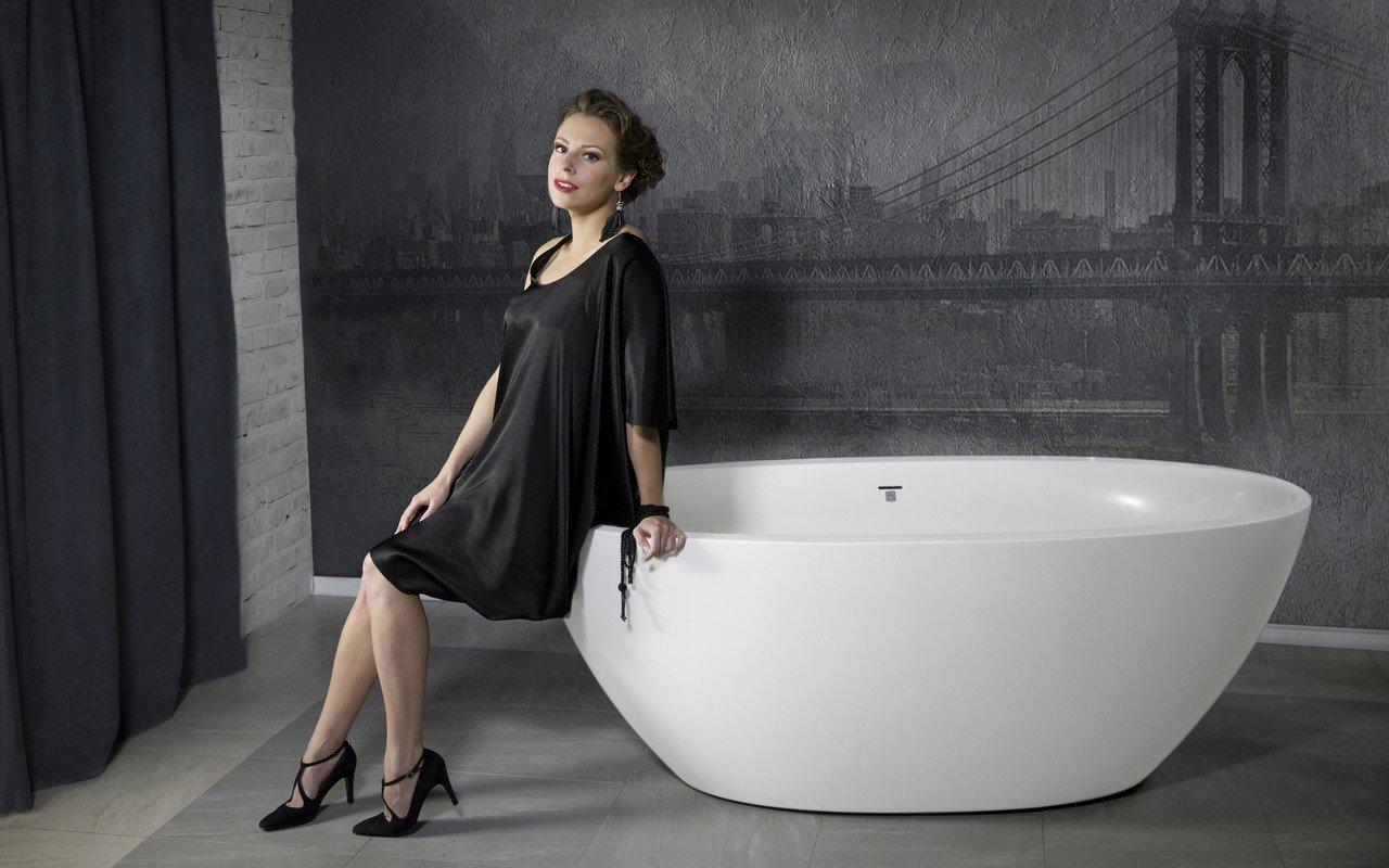 Sensuality mini f wht freestanding solid surface bathtub 01 1 (web)