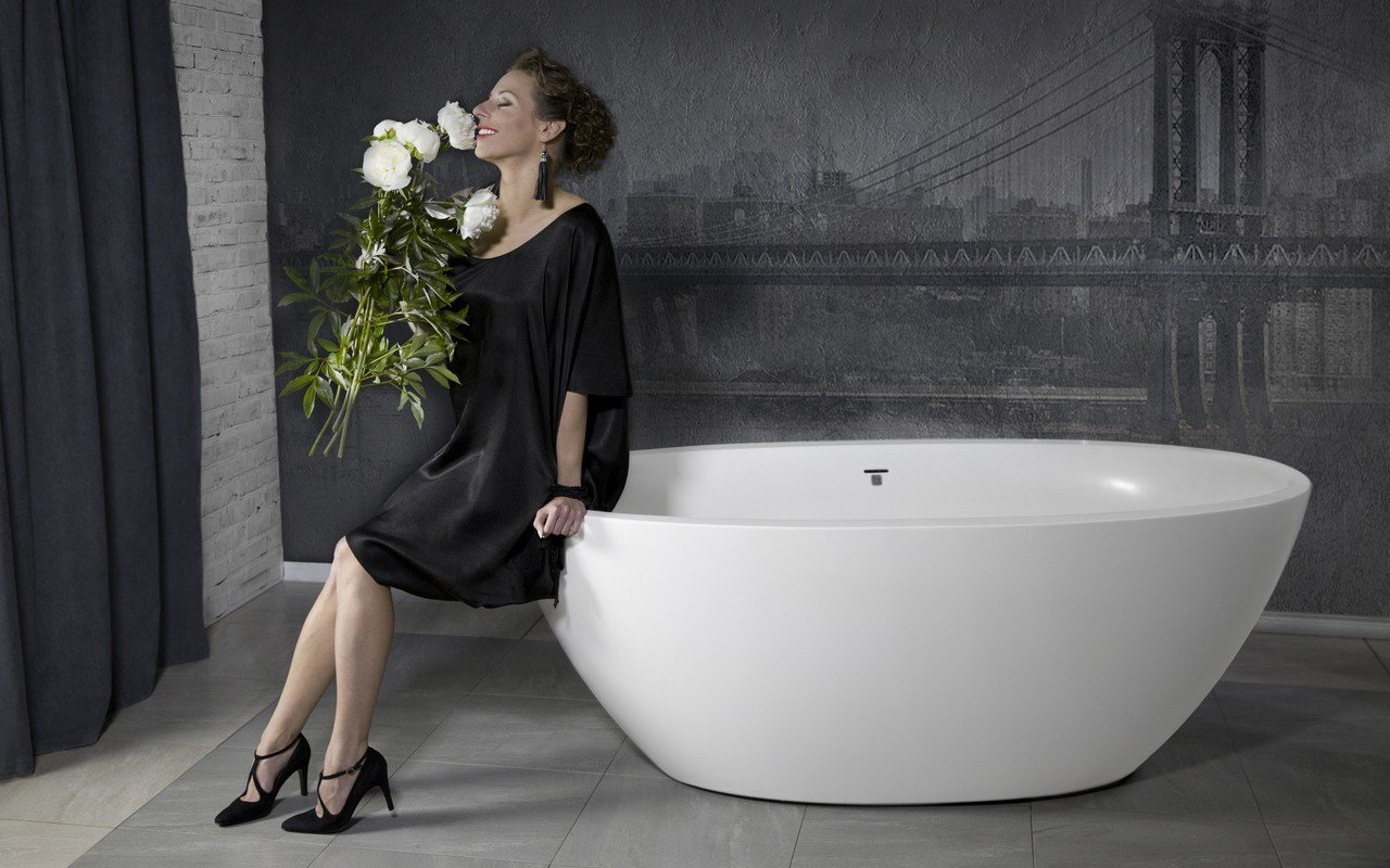 Sensuality mini f wht freestanding solid surface bathtub 02 1 (web)