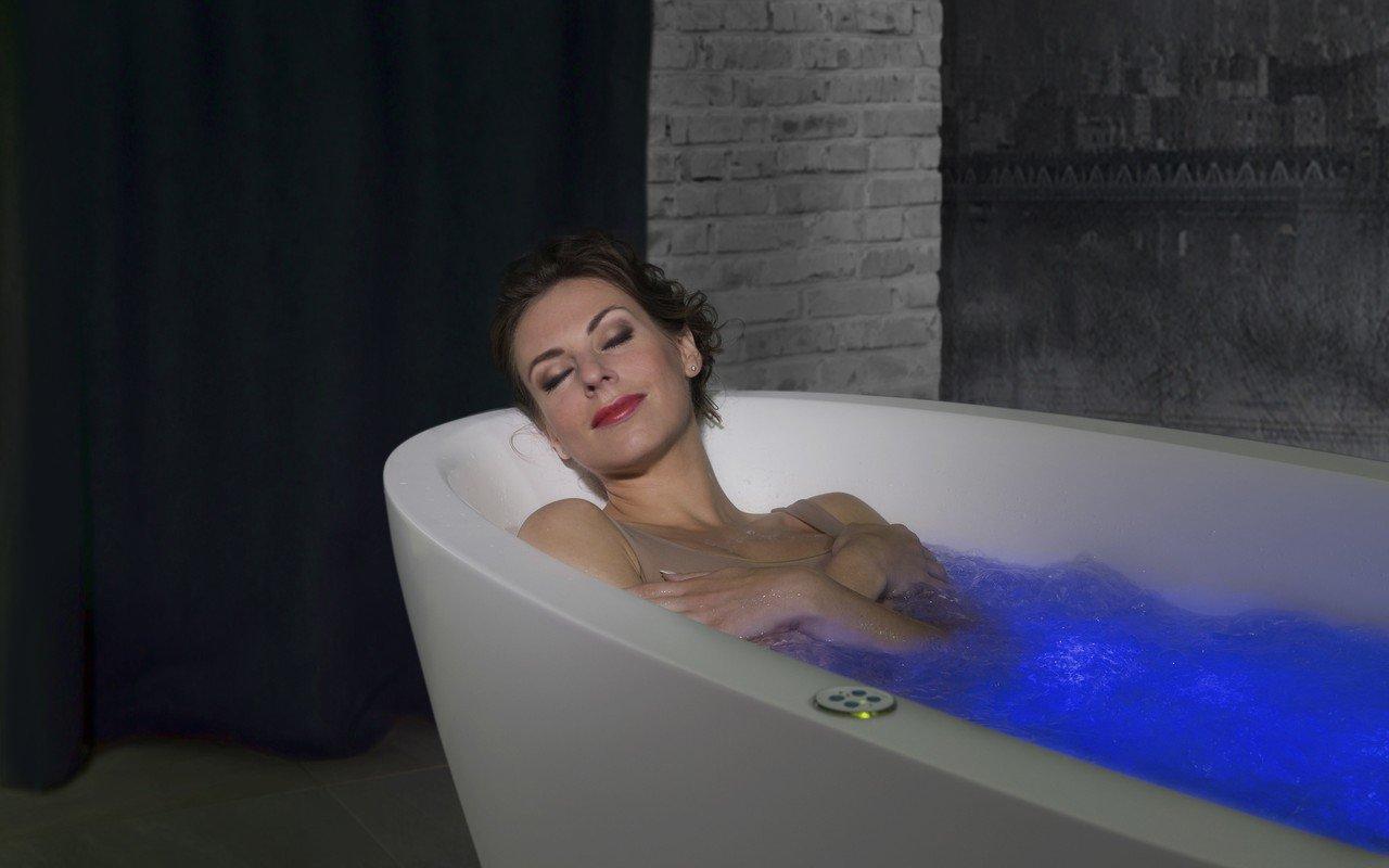 Sensuality mini f wht relax freestanding solid surface bathtub 11 (web)