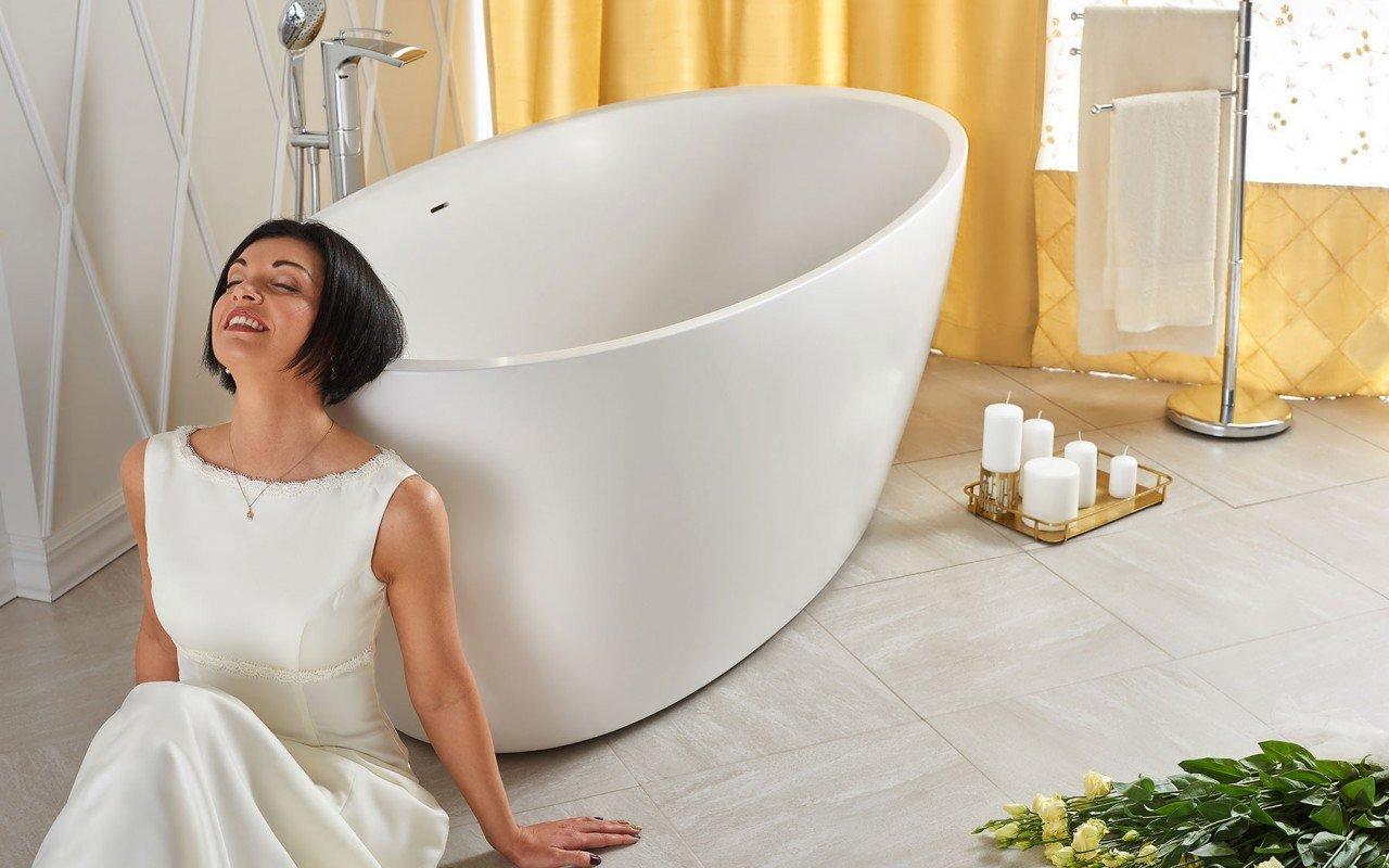 Sensuality wht freestanding oval solid surface bathtub by Aquatica 06 04 16––13 56 43 WEB