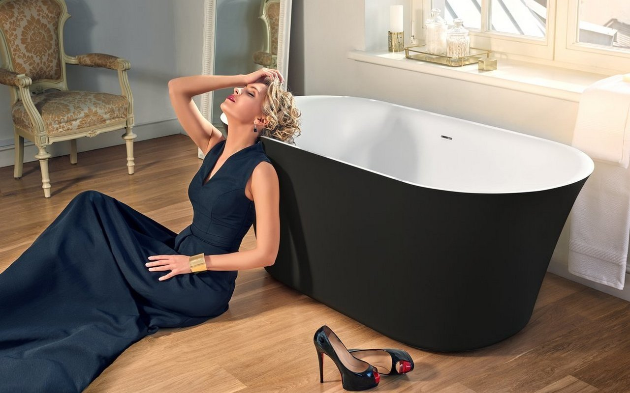 Aquatica Tulip-Grande-Blck-Wht™ Freestanding Solid Surface Bathtub picture № 0