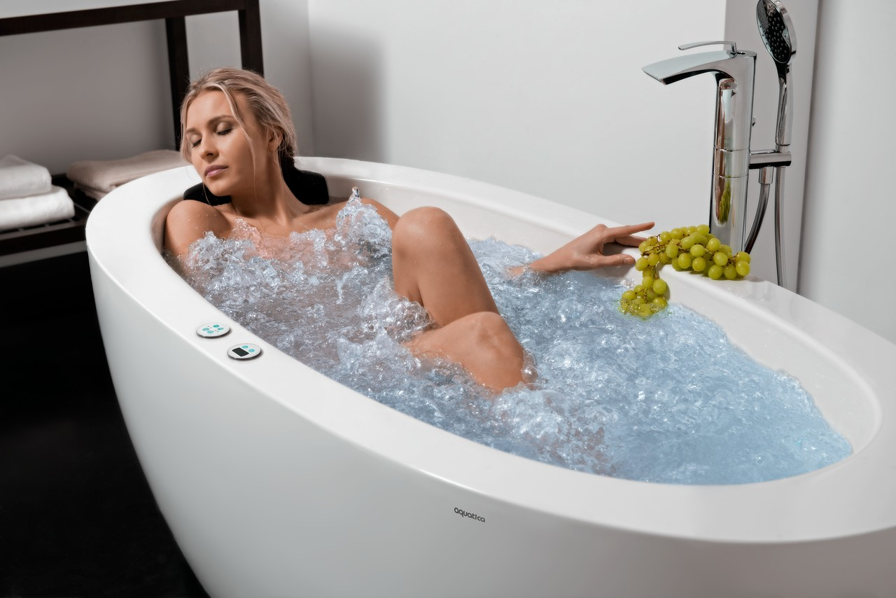 Purescape 174B Wht Heated Therapy Bathtub US version 07 (web)