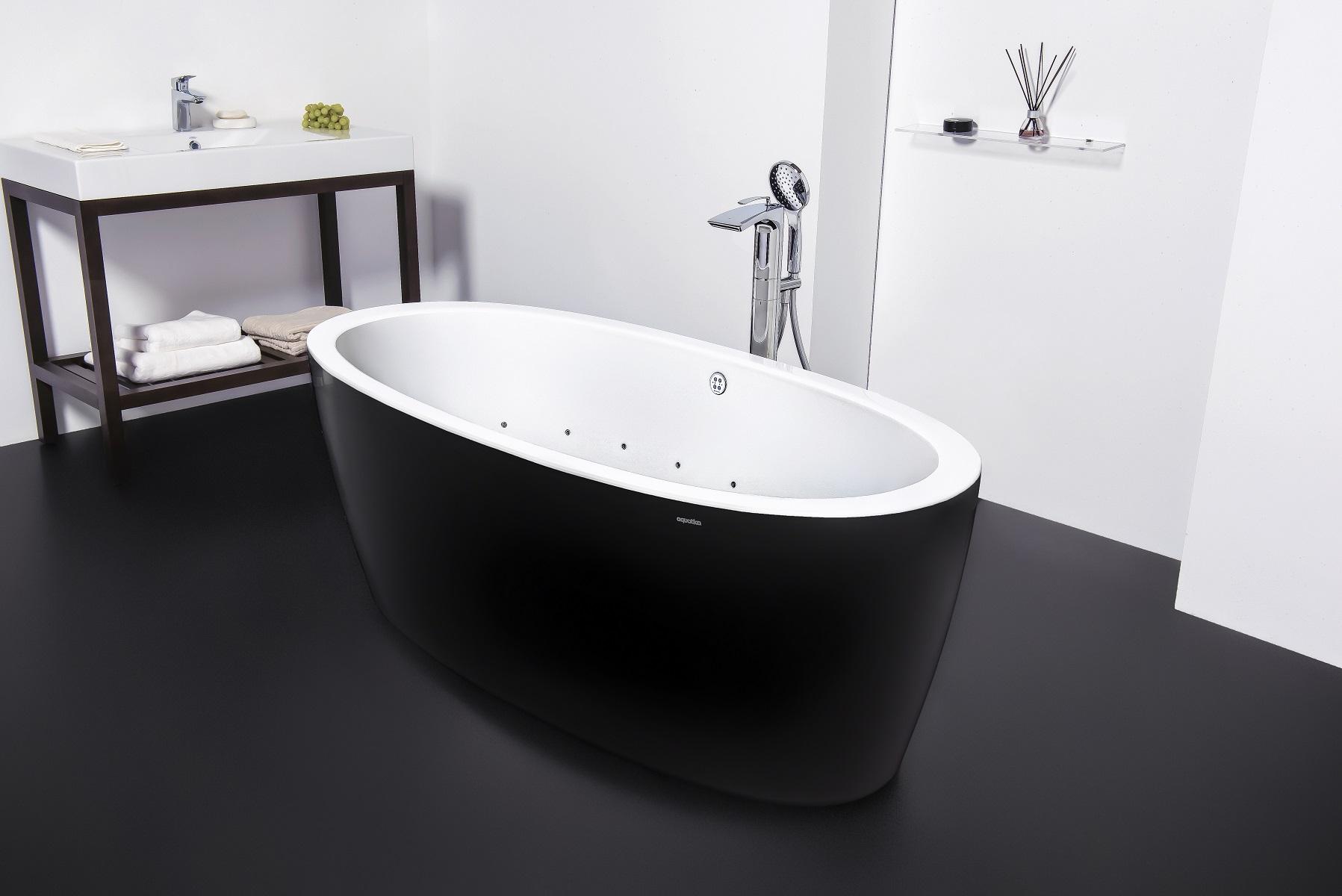 Purescape 174A Blck Wht Relax Air Massage Bathtub by Aquatica DSC2814 web