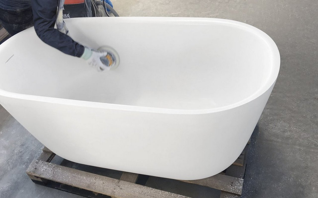How To Repair a Solid Surface Bathtub or Sink picture № 4